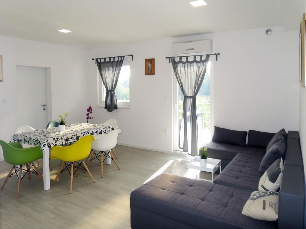 Apartma 2, A4+2