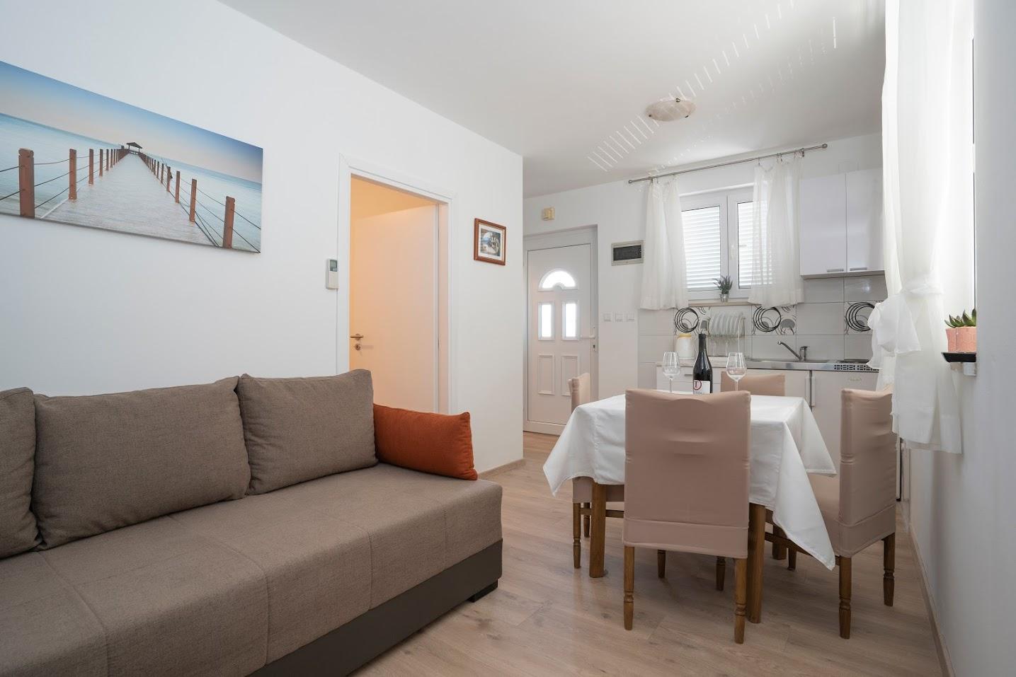 Apartma 2, 2+2